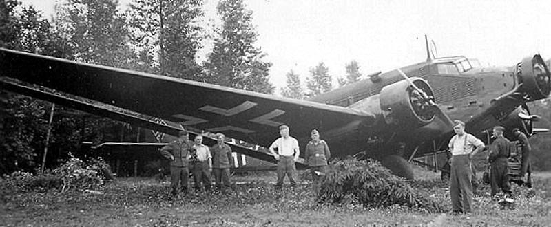 Un JU 52 en mai-juin 1940.(Coll. J.L ROBA)