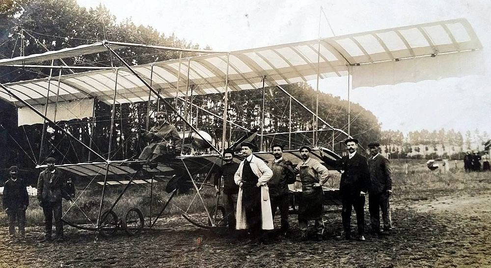 Weyman et son Farman à Beauval, le 6 août 1910 (coll.part.)